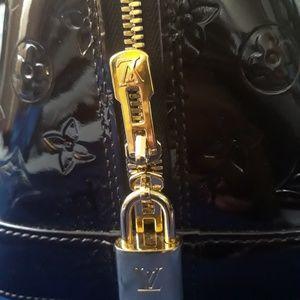 Louis Vuitton Bags - LV Vernis Alma GM in Amarante